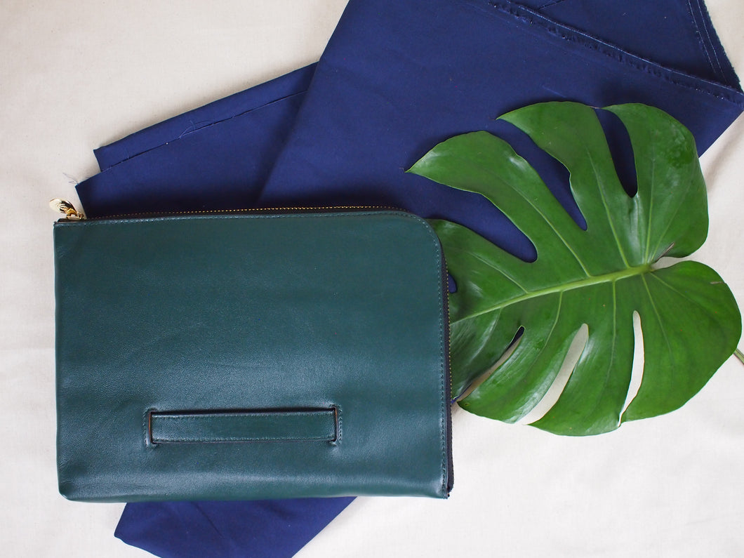 Oxford Document Clutch in Forest Green