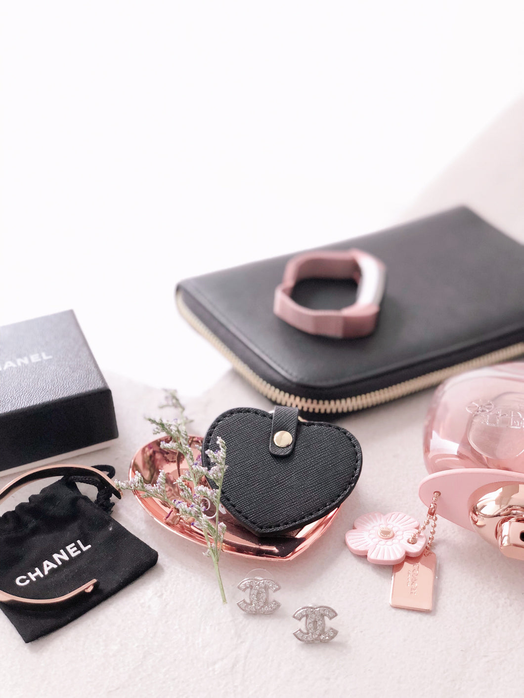 Valentine's Classic [BUNDLE] - Copenhagen Wallet in Black & Paris Keyring in Black