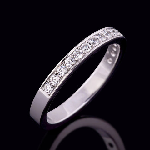 Grain-Set Wedding Band