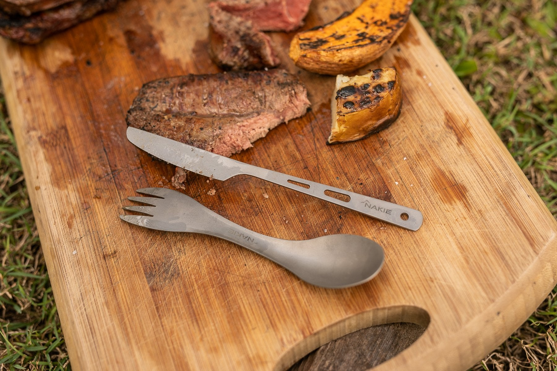 Titanium Spork and Knife Set - Nakie