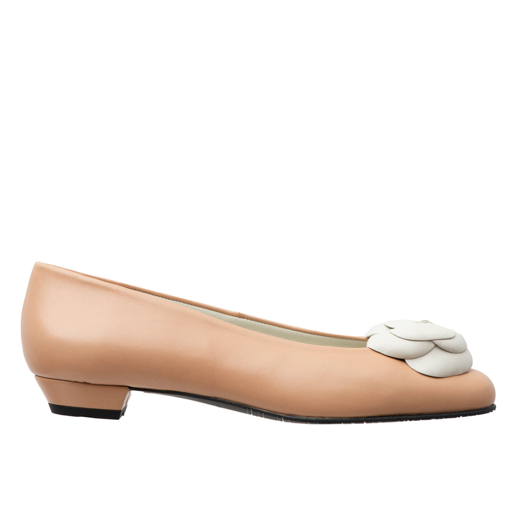 Ahimsa camel leather white flower
