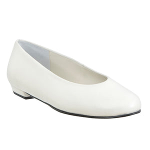 Yama round toe pump in white leather