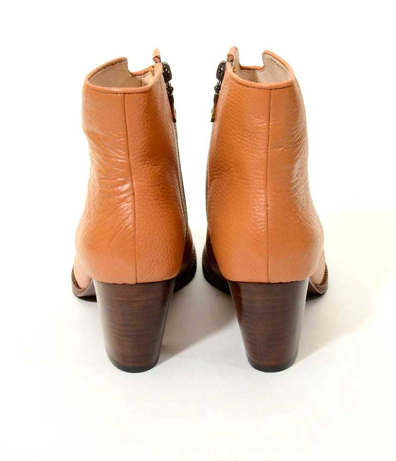 Womens Large Plus Size Shoes | Provensen Buddy Boot Tan - BAck