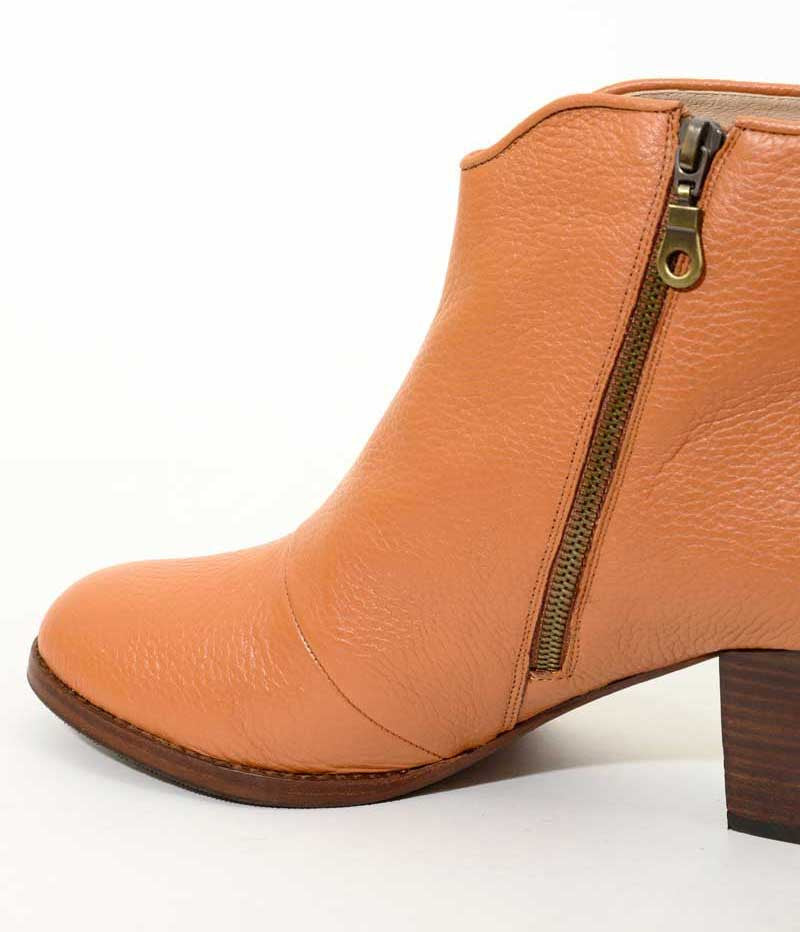 Womens Large Plus Size Shoes | Provensen Buddy Boot Tan - Feature