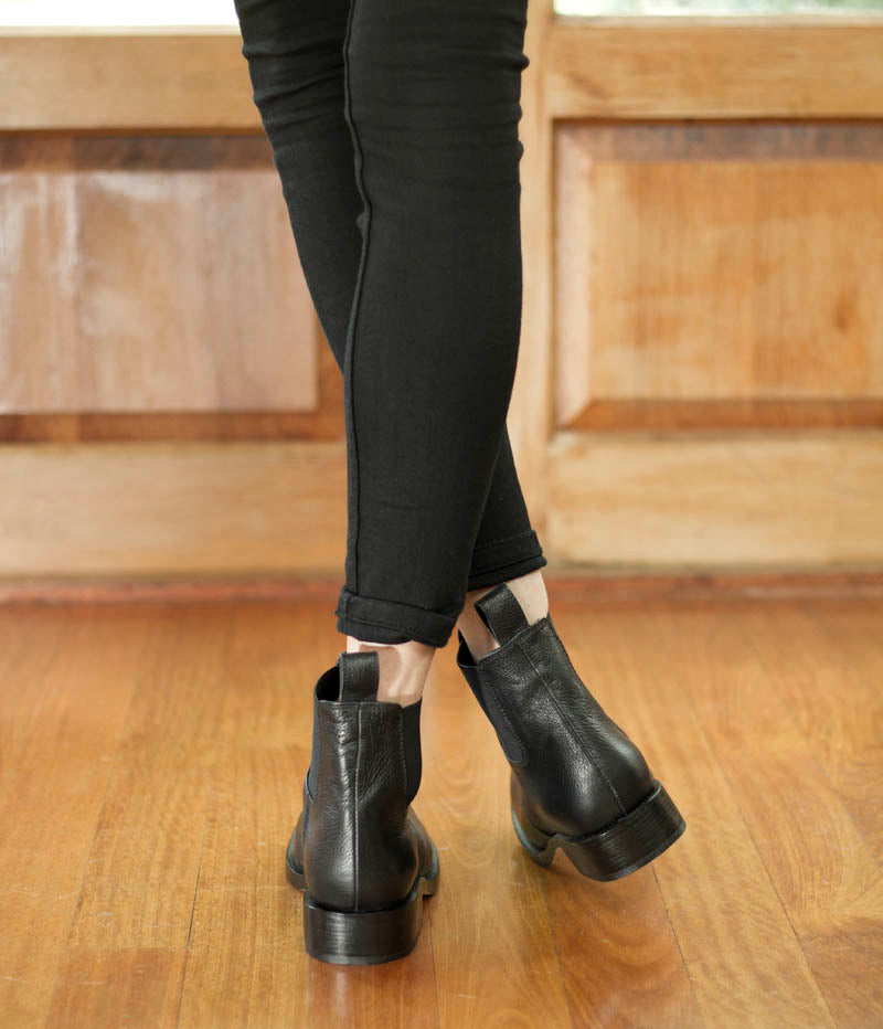 Ladies Large Size Shoes |Jamie Fame Patti Boots Black On Foot