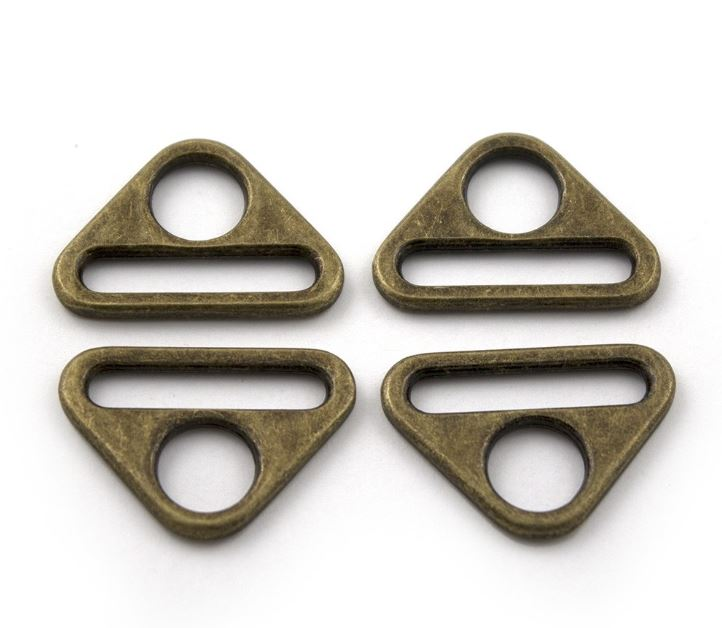 Triangular Ring ~ Antique Brass ~ 25mm   4pk