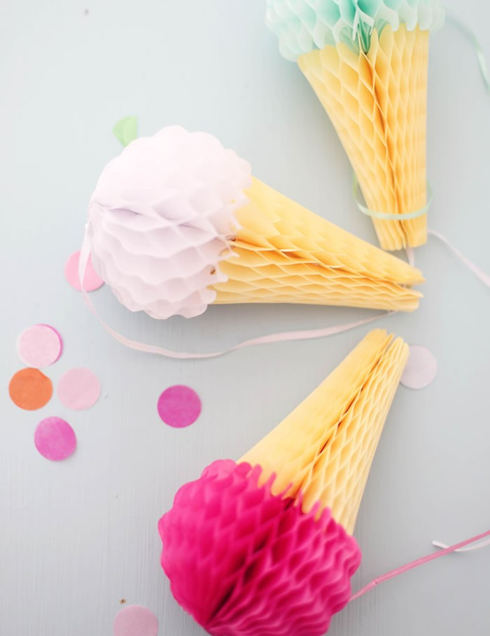 Ice Cream Honeycomb Decorations -Stawberry & Vanilla