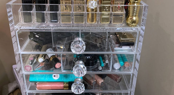 Large glam acrylic makeup organizer... This is how I organize my makeup and I think it's the best way.