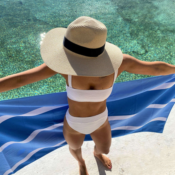 Bluewave Beach Towel features sand free recycled microfiber technology