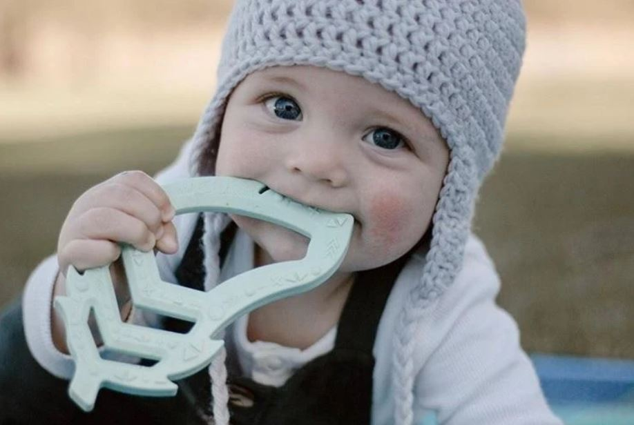 Feather Teether