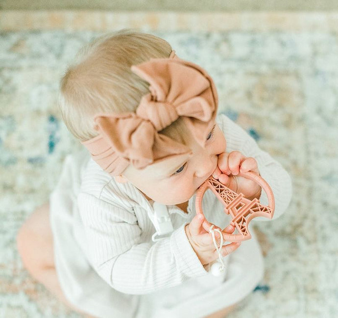Clip & Teether: Eiffel Tower - Blush Pink
