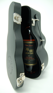Limited Edition Guitar Case WIne Set