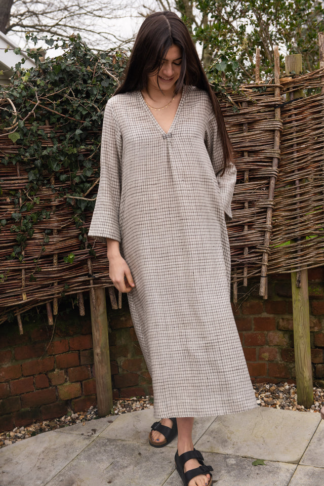 Simple v neck dress in Ivory & black check matka