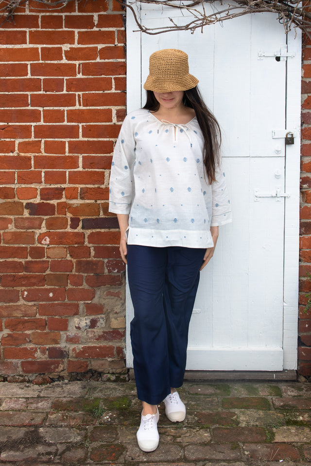 Peasant top in white cotton jamdani