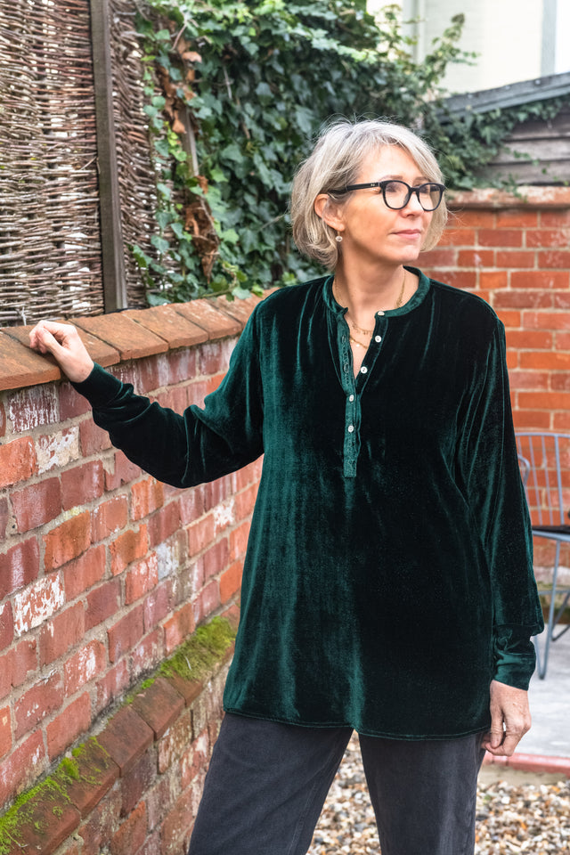 Long Back Shirt in emerald green silk velvet