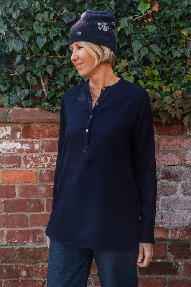 Silk lined long back shirt in fine wool
