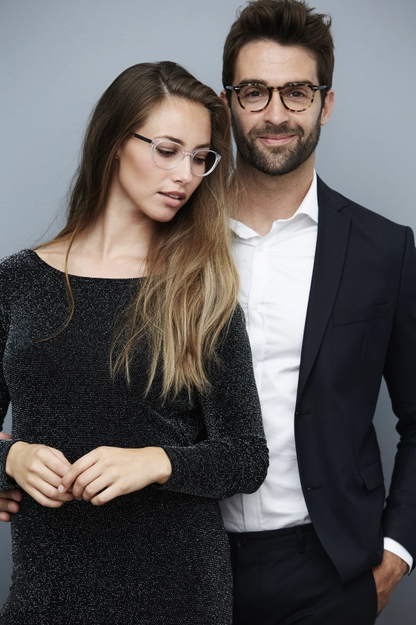 fashionable-couple-wearing-glasses
