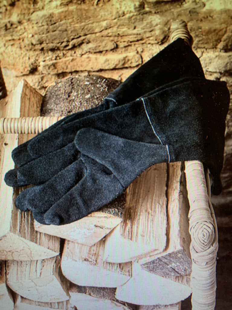 Gaunlet Gloves in Suede