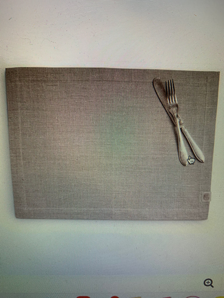 Lovely Linen Classic Placemat