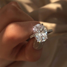 Load image into Gallery viewer, White Cubic Zircon Engagement Ring