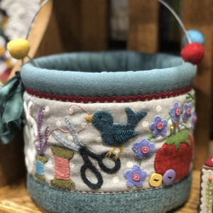 Berry Bucket Pattern & Handle