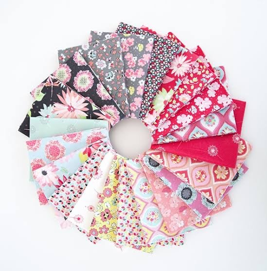 Paper Daisies Fat 1/8 Pack 8pc
