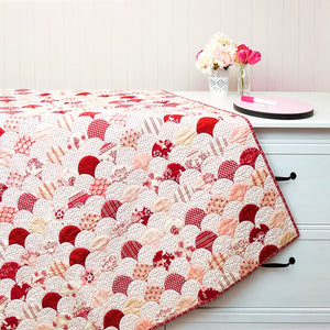 Raspberry Clams Quilt & Cushion Pattern