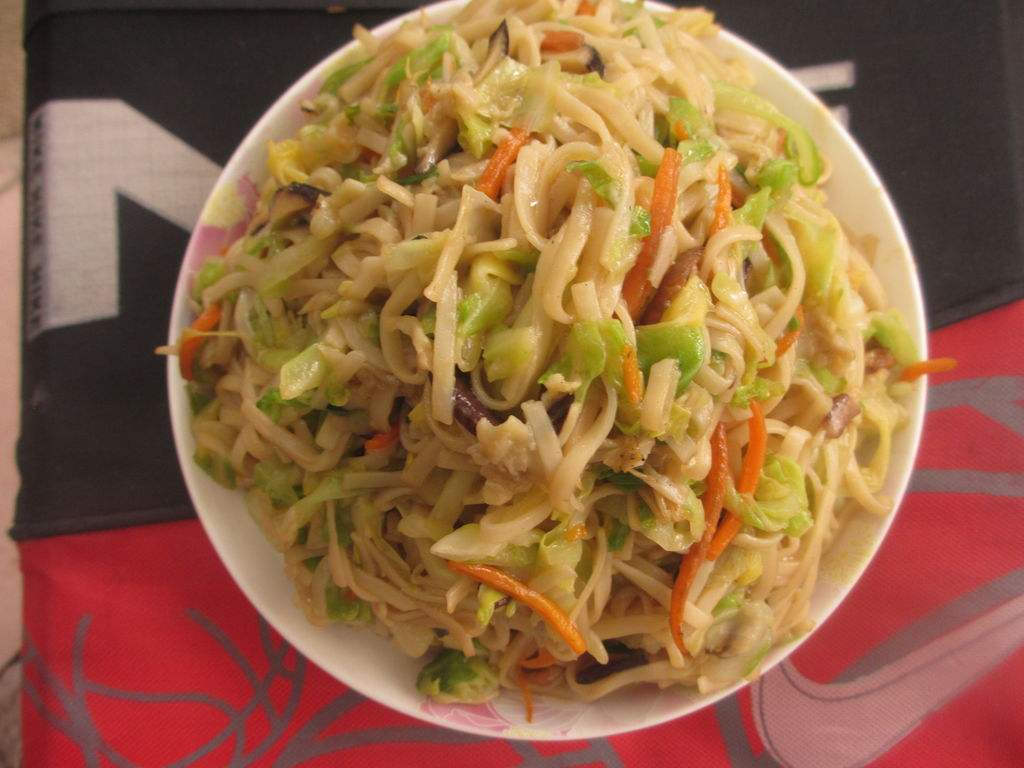 NOODLES WITH VEGETABLE