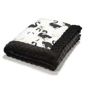 NEWBORN BLANKET peitto 65x75 cm - Moonlight Swan | Black