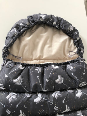 ASPEN WINTERPROOF STROLLER BAG modulaarinen lämpöpussi - Boho Royal Arrows Dark | Velvet Rafaello