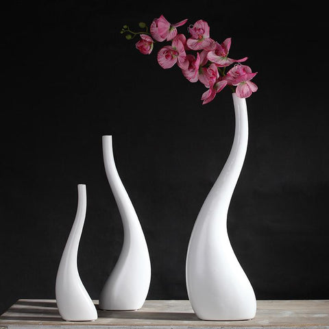 Ceramic sleek style Vase - Free shipping (17-27 days)