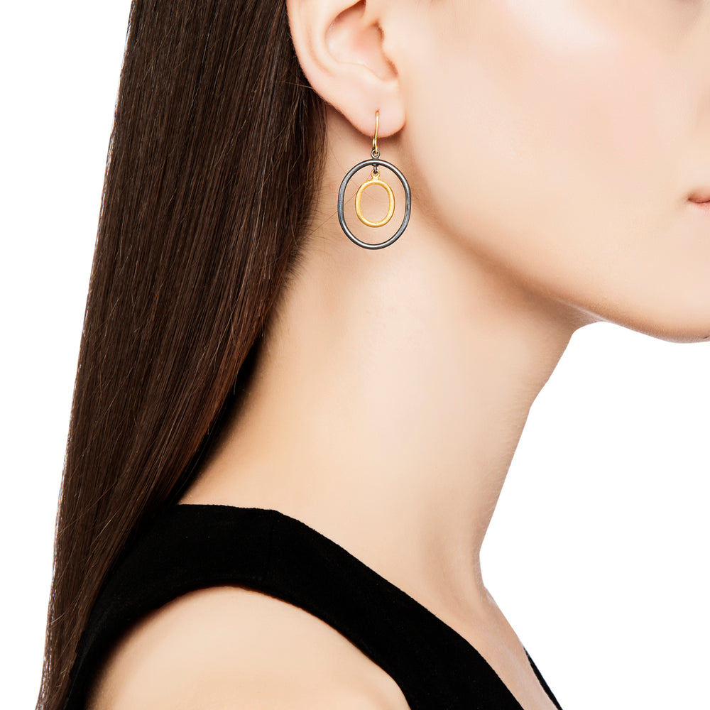 24K GOLD & OXIDIZED GILVER OVAL LOOP RACHEL EARRINGS