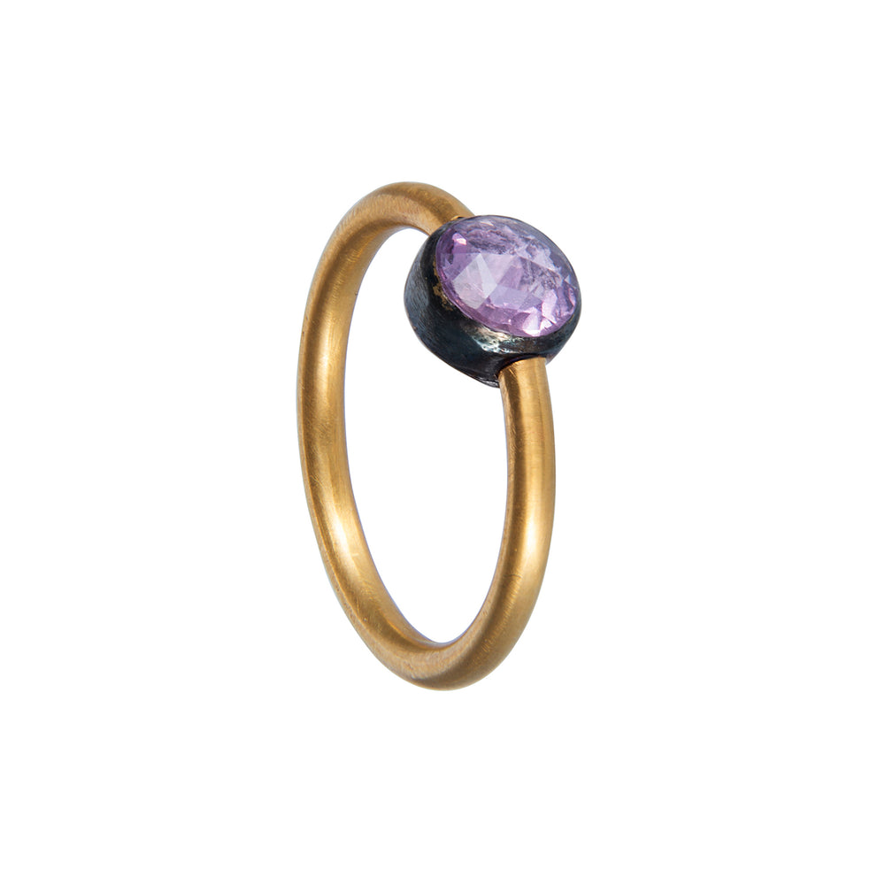 18K GOLD PINK SAPPHIRE RING
