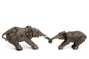 Elphants Holding Trunks Figurine Set - Caths Direct