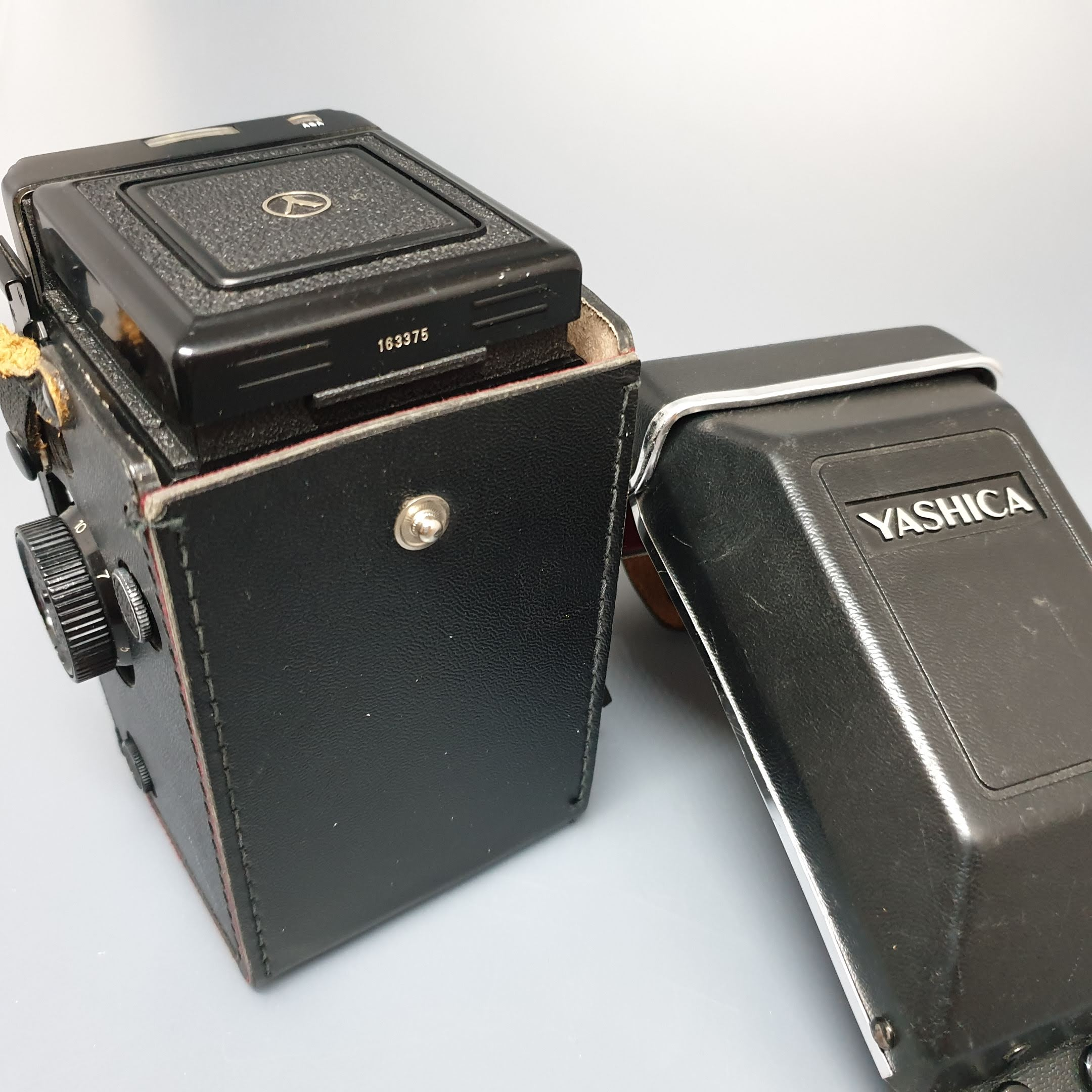 Yashica MAT 124G - Greenwich Cameras and Film
