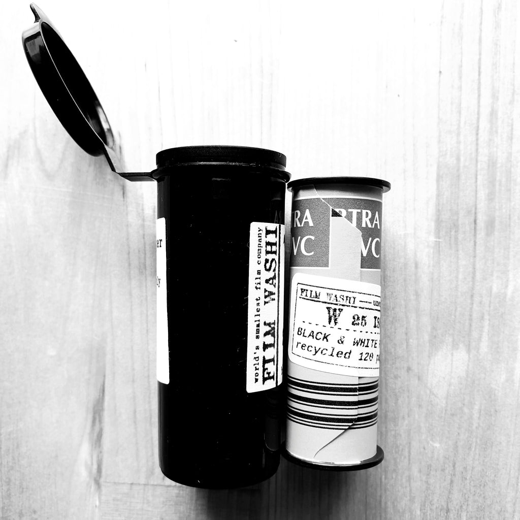 "Film Washi ""W"" <br>ISO25<br>Black & White<br>The original handcrafted film on Kozo paper"