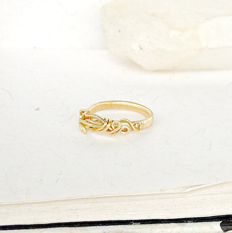 Women's 14K Gold Wedding Band - Handmade Engagement Ring - designsbynaturegems