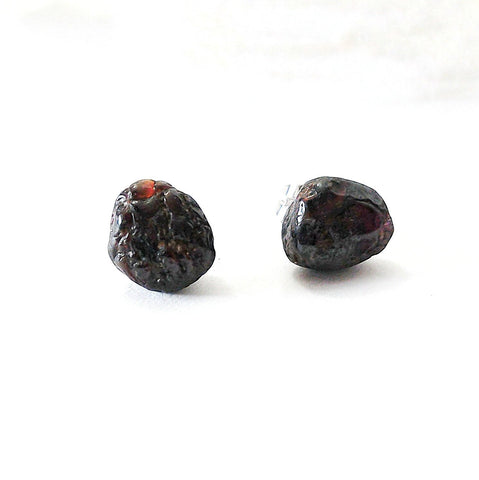 Men's Raw Garnet Crystal Stud Earrings - January Birthstone Earrings - designsbynaturegems