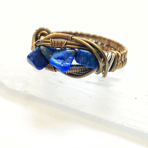 Men's Raw Lapis Lazuli Crystal Ring - designsbynaturegems