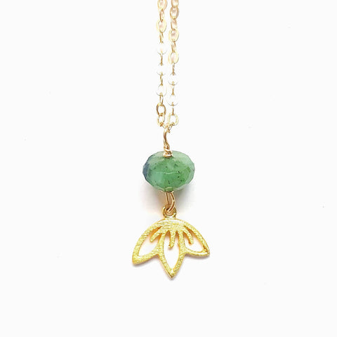 Raw Emerald Pendant - 14k Gold May Birthstone Necklace - Emerald Lotus Necklace -  Raw Birthstone Necklace -Taurus Necklace -Gift for Sister