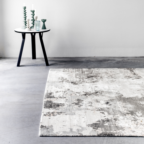 Roy Rug | Grey, White