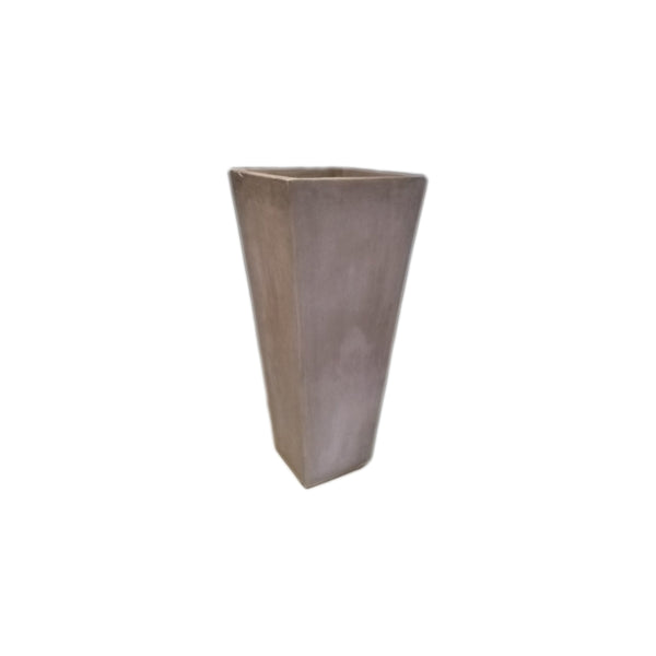 TRIANGULAR VASE MEDIUM - Zaga Concepts