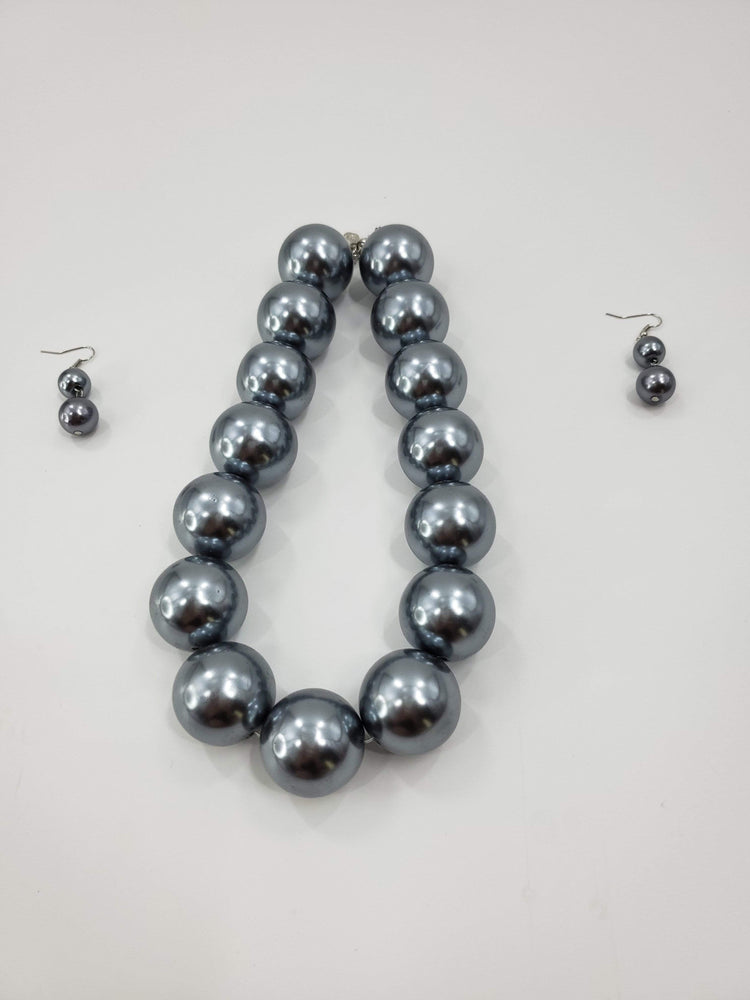 Chunky Pearl Collar Bib Necklace with Matching Earrings