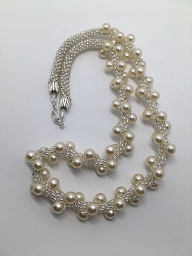 Pearl swirl on white necklace