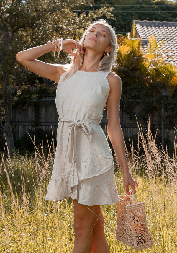 #8378 Women linen white dress Sleeveless Italian Style Linen Dress with belt