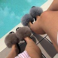 THE GORGEOUS LADIES FLUFFY SLIDES™ LIMITED STOCK!