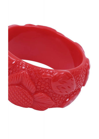 Collectif Carrie Carved Strawberries Bangle Rood