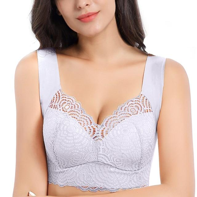 Ultimate Lift Stretch Full-Figure Seamless Lace Cut-Out Bra