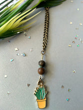 Load image into Gallery viewer, Green Flora Plant Necklace