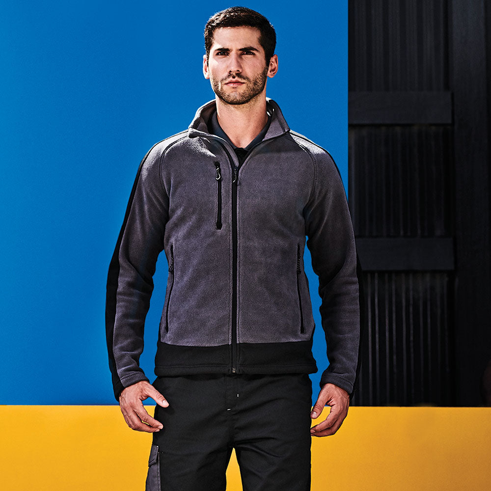 Regatta Contrast Collection Men's Contrast Fleece Jacket TRF523 seal grey black front view lifestyle image